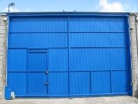 Construcción de puerta y motorización de la misma